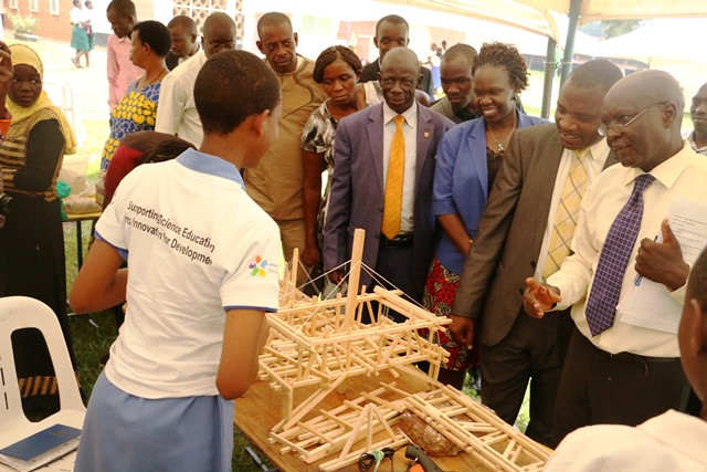 A student exihibists locally made tripple cable bridge.